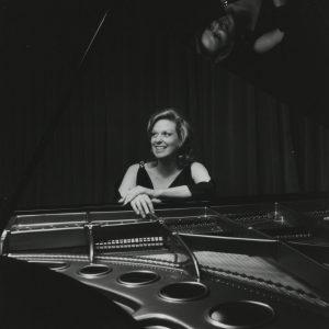 Carol Rosenberger | Carol Rosenberger with her Bösendorfer Piano | Carol Rosenberger Beethoven Sonatas | Carol Rosenberger Piano | Carol Rosenberger Recordings