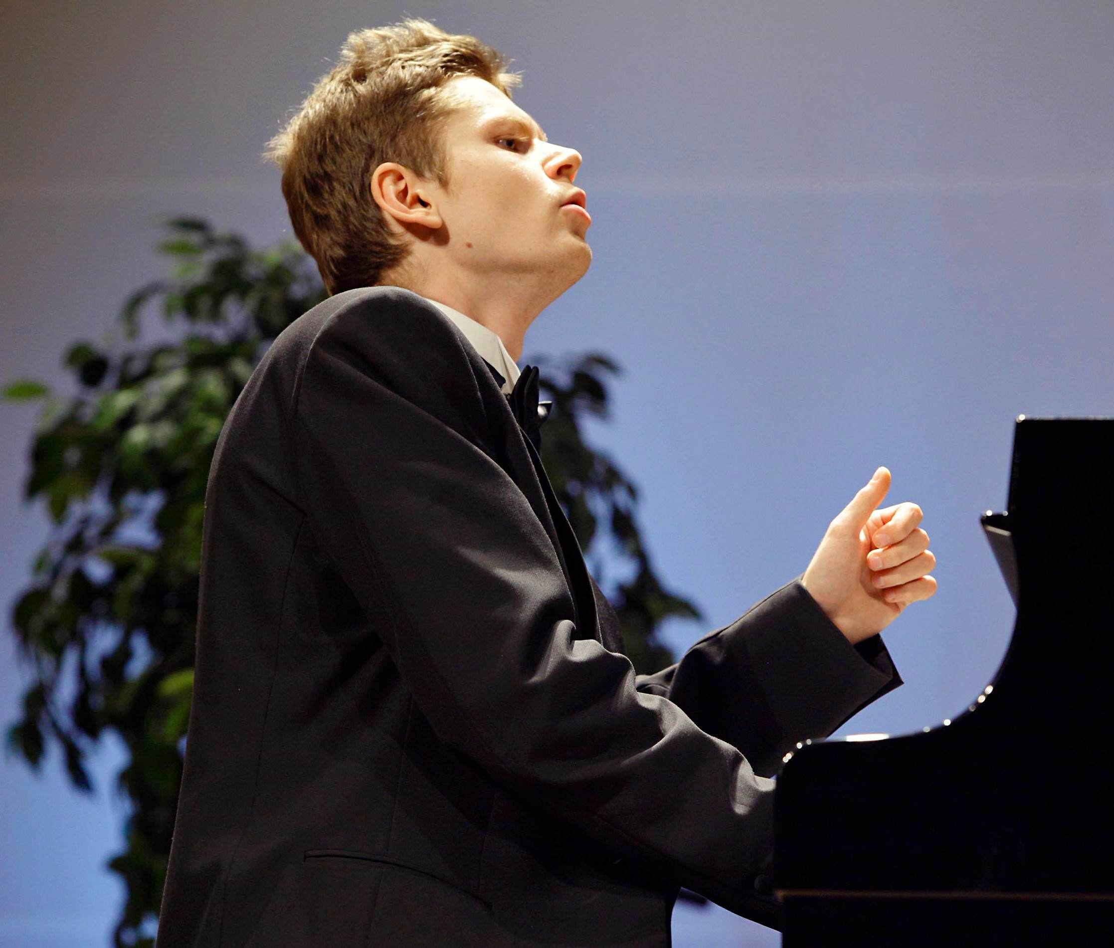 Andrey Gugnin Wins Gina Bachauer International Piano Competition